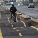 Za to kolesarsko stezo je dobro imeti gorsko kolo.